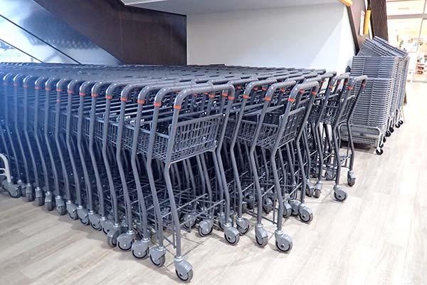 スーパーのカート