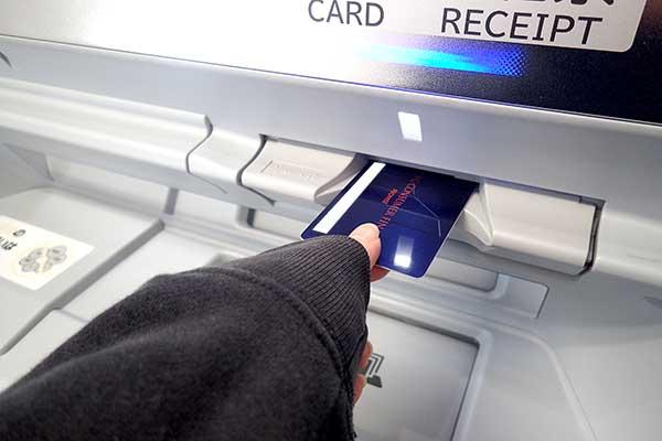 プロミスのローンカードと自動契約機